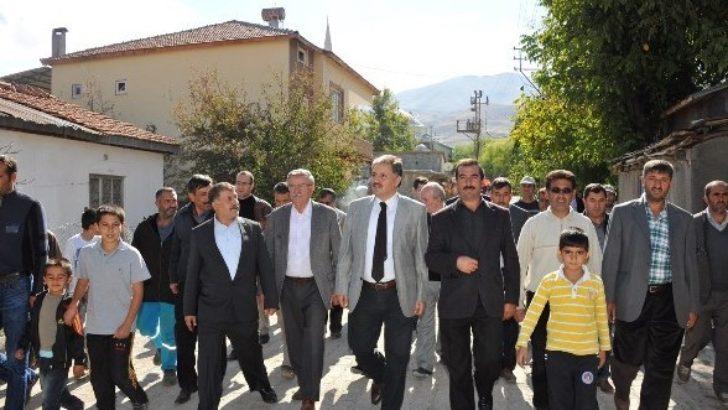 Çakır, Doğanşehir'i gezdi