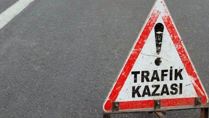 Kamyonla-minibüs çarpıştı: 3 ölü,5 yaralı