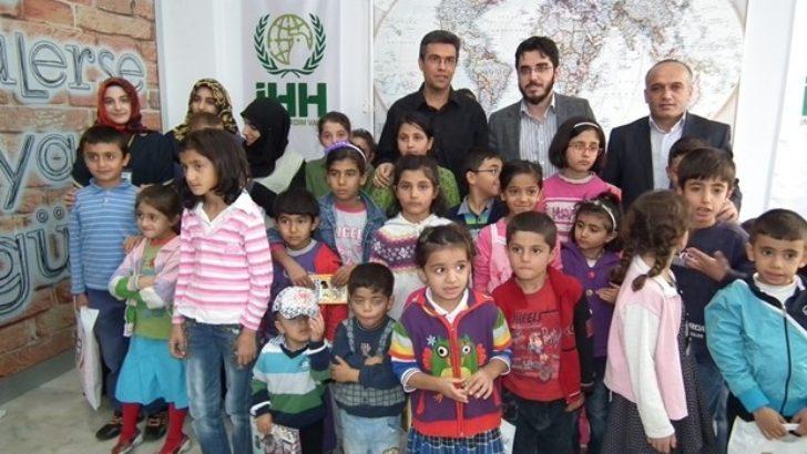 İHH 750 çocuğu sevindirdi