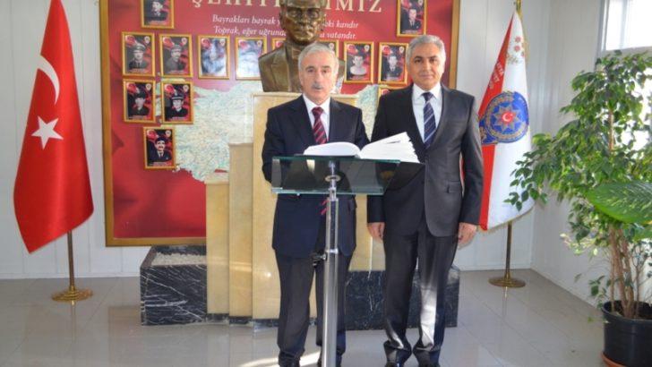 Vali Kamçı Jandarma ve Emniyet'i ziyaret etti