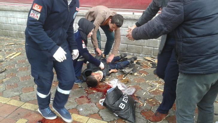 Maliye'nin çatısı çöktü:4 yaralı