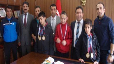 Özel sporcular Babahanoğlu'nu ziyaret etti
