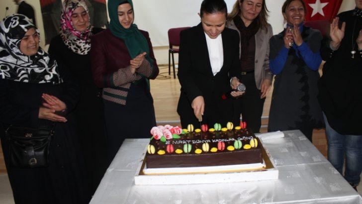 Yazıhan'da kadınlar günü kutlandı