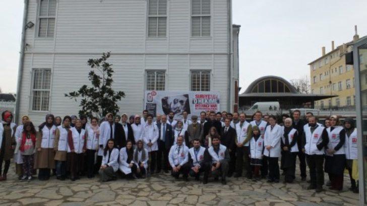 """""""Maaşımızı Suriyeli Hekimlerle Paylaşıyoruz"""""""