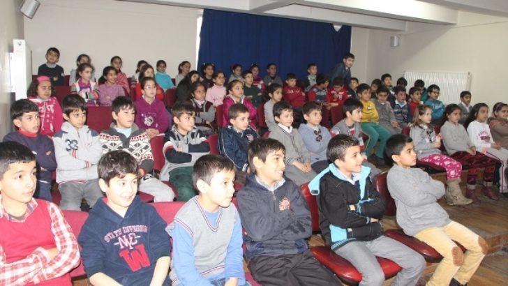 Hidayet İlkokulunda film günleri