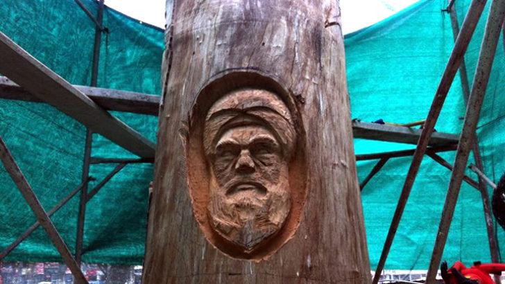 Kurumuş ağaca Osmanlı figürü