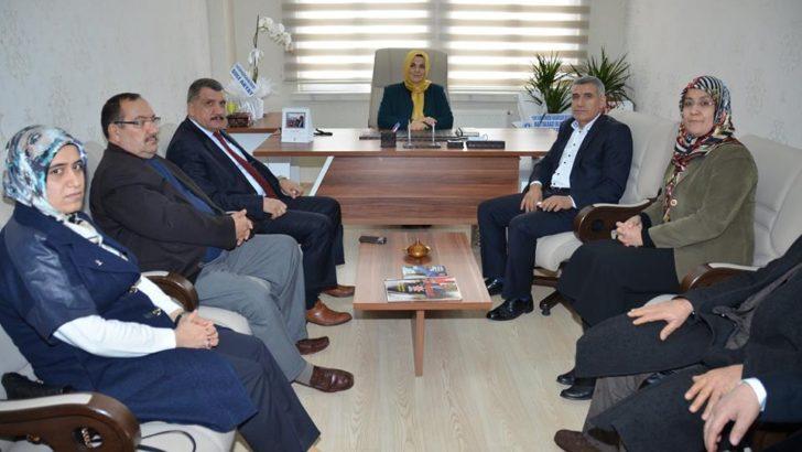Başkan Gürkan'dan kadın kollarına ziyaret