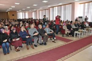 """İnönü Üniversitesinin """"40. Yıl Etkinlikleri"""" kapsamında """"Prof. Dr. Tarık Özcan ile Şiir Söyleşisi"""" düzenlendi.."""