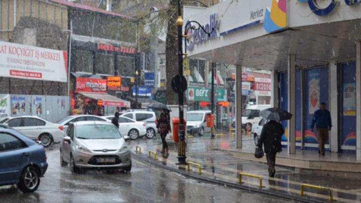 Nisan'da Malatya'ya kar yağdı