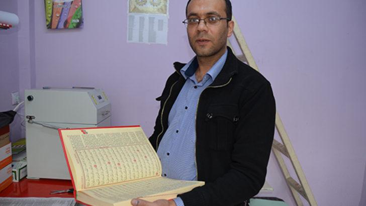 Sude cilt evi özenle Kur'an-ı Kerim ciltledi