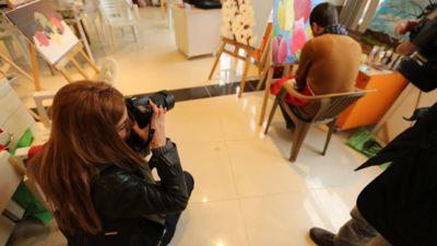 MABESEM kursiyerleri sanat galerisini fotoğrafladı