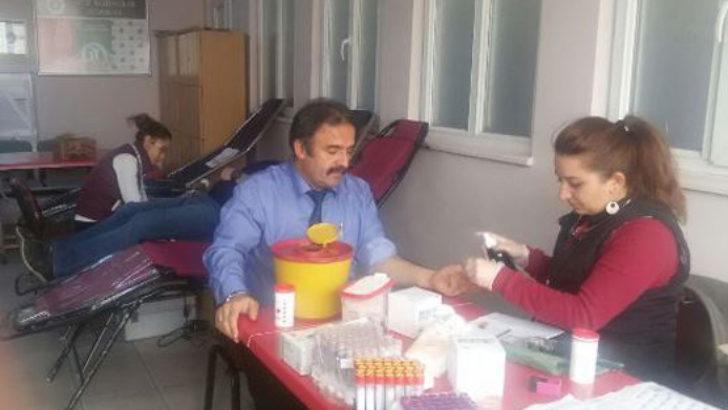 Hidayet İlkokulu kan bağışladı