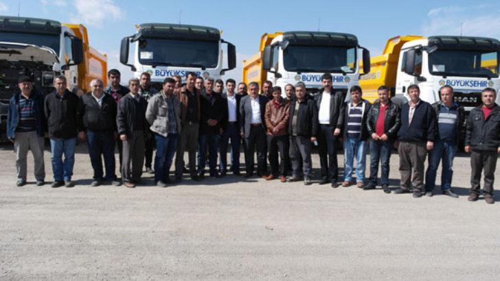 Şoförlere kamyonlar tanıtıldı
