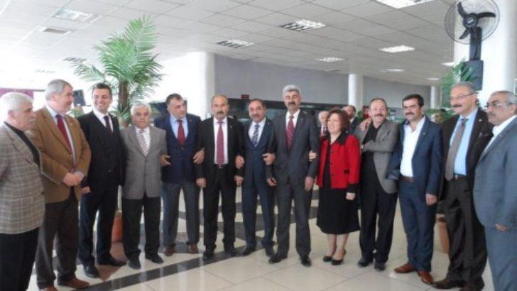 MHP adaylarını restoranda tanıttı