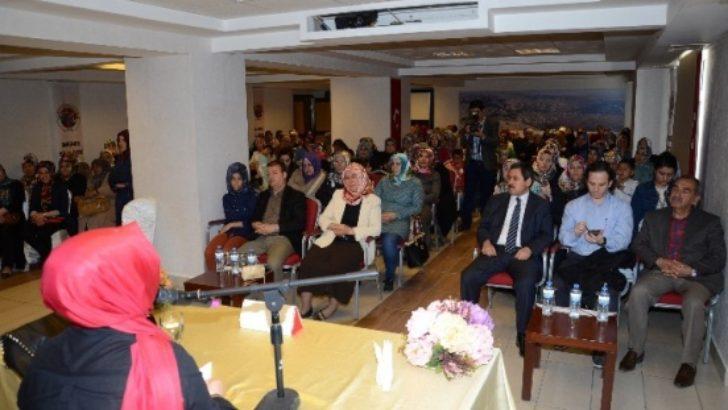 Başkan Eser Anneler Günü'nde annelerle bir araya geldi