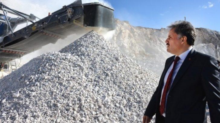 Kurşunlu Mahallesi'nde kurulan taş ocağı üretime başladı