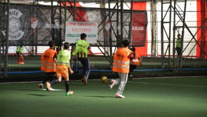 Orduzu Derneği'nden bahar futbol turnuvası