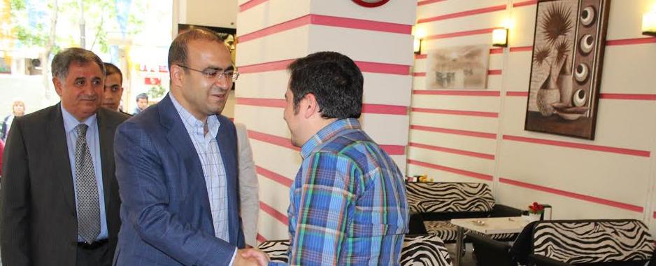 Malatya milletvekili adayı Taha Özhan,Kanalboyunda esnafla bir araya geldi