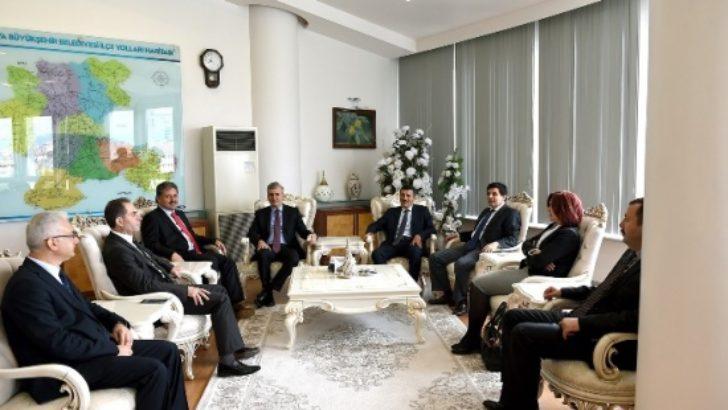 Sağlık Bakanlığı Müsteşarı Prof. Dr. Eyüp Gümüş Başkan Çakır'ı ziyaret etti