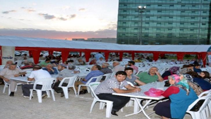 Hastane bahçesinde iftar çadırı kuruldu