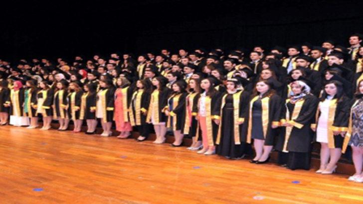 146 Tıp Fakültesi mezununa diplomaları verildi