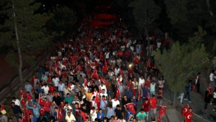 Malatya'da ülkücüler teröre lanet için yürüdü
