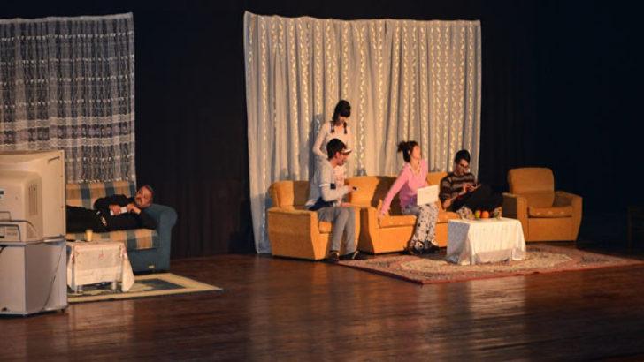 İtina İle Elektrik Kesilir Tiyatro Oyunu Büyük İlgi Gördü