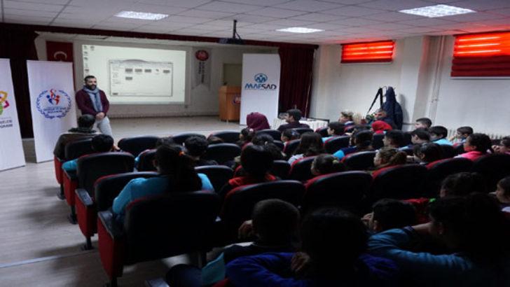 MAFSAD'tan Öğrencilere Fotoğraf Sunumu