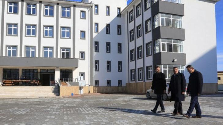Atatürk Kız Anadolu Lisesi'nde Taşınma Çalışmaları Başladı