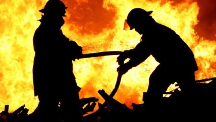 Kullanılmayan boş evde yangın çıktı