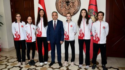 Şampiyonlardan Vali Toprak Ve Müdür Yaman'a Ziyaret