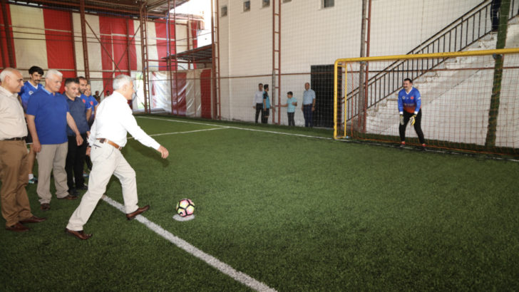 Kamu Kurumları Arası Futbol Turnuvasının Başlama Vuruşunu Başkan Güder Yaptı