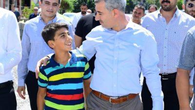 Başkan Çınar, İlyas Mahallesindeki Kaldırım Yenileme Çalışmalarını İnceledi