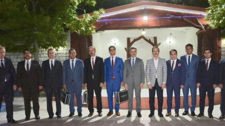 Cumhurbaşkanlığı Atama Kararı ile Malatya'dan atanan Mülki İdare Amirleri veda yemeğinde bir araya geldi.