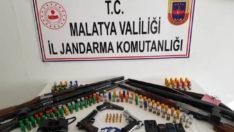 Cinayet Şüphelisi Doğanyol'da Jandarma'nın nefes kesen operasyonu ile yakalandı