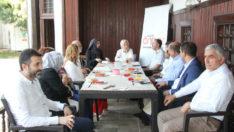 Milletvekili Çalık, ÖNDER İmam Hatipliler Derneğini de ziyaret ederek istişarelerde bulundu.