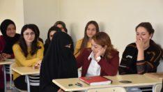 """Rektör Karabulut; """"Yurtyapılınca kız öğrenciler eğitime devam etti"""""""