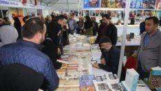 Elazığ Belediyesi 3.kitap fuarına yoğun ilgi