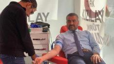 MHP Malatya İl Başkanı R.Bülent Avşar ve il yönetimi Kan bağışında bulundu.