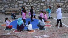 """""""Okul Bahçeleri Rengârenk Oyun Alanlarına Dönüşüyor"""""""