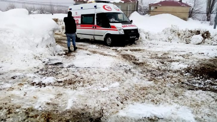 Büyükşehir her yerde karla mücadele ediyor