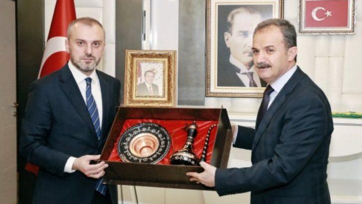 AK Parti Teşkilat Başkanı Kandemir'den, Adıyaman Belediyesi'ne Ziyaret
