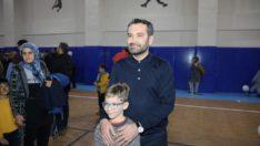Başkan Şerifoğulları depremzede çocuklarla buluştu