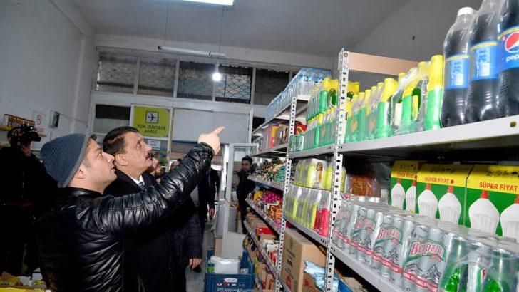 Başkan Gürkan'ın depremden etkilenen mahalleleri ziyaret etti