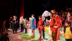 Başkan Kılınç'ın, Miniklerle Tiyatro Keyfi
