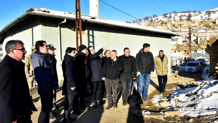 Vali Baruş Pütürge ve Doğanyol İlçelerinde Deprem Bilgilendirme Toplantısı Düzenledi
