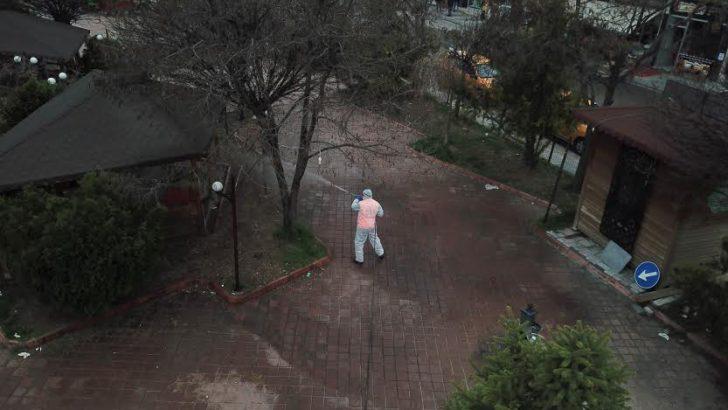 Büyükşehir Akçadağ ve Doğanşehir'de cadde ve sokakları dezenfekte etti