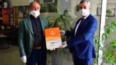 Yeşilyurt Belediye Başkanı Mehmet Çınar'dan Muhtarlara Kolonya,Maske Ve Eldiven