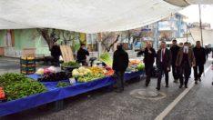 Vali Baruş, Zaviye Mahallesinde kurulan Çarşamba pazarında incelemelerde bulundu