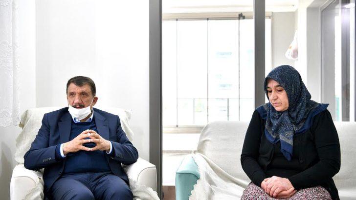 Başkan Gürkan Anneler Günün'de Şehit Annelerini ziyaret etti
